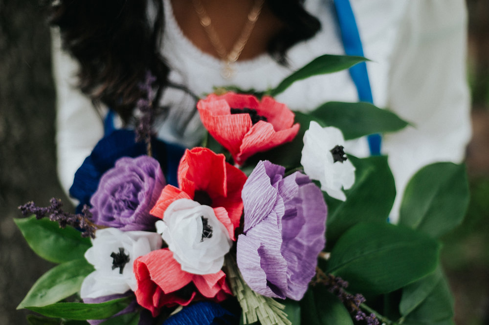 Photo by  Hannah Yoon  and Florals by  622 Flowers