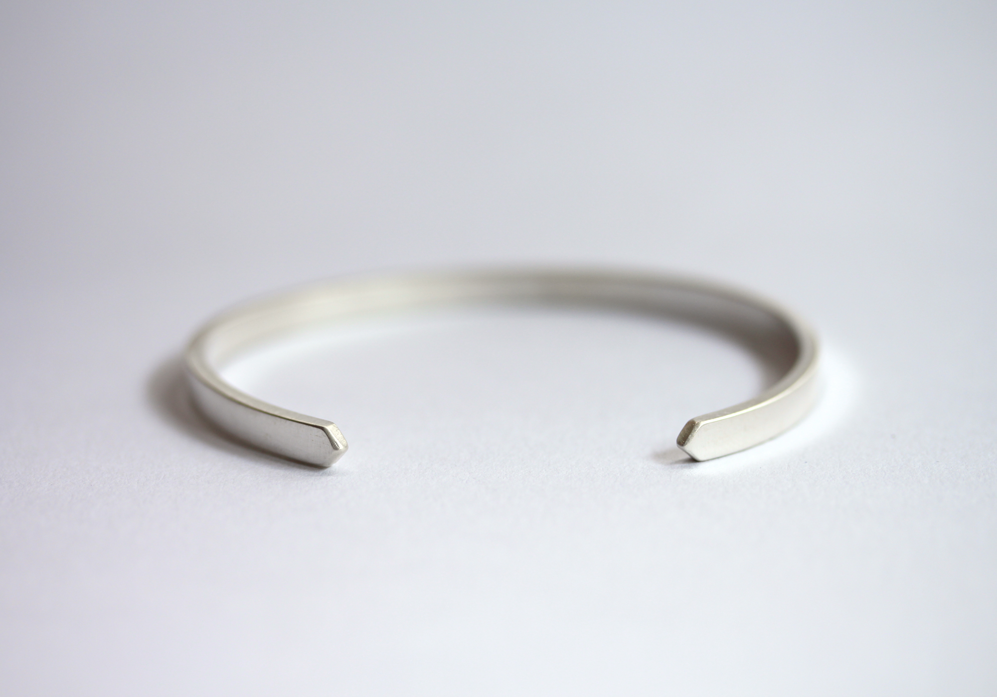 10 stylish gifts to give your wedding party rebecca mir grady cuff mcleod style on plain surface