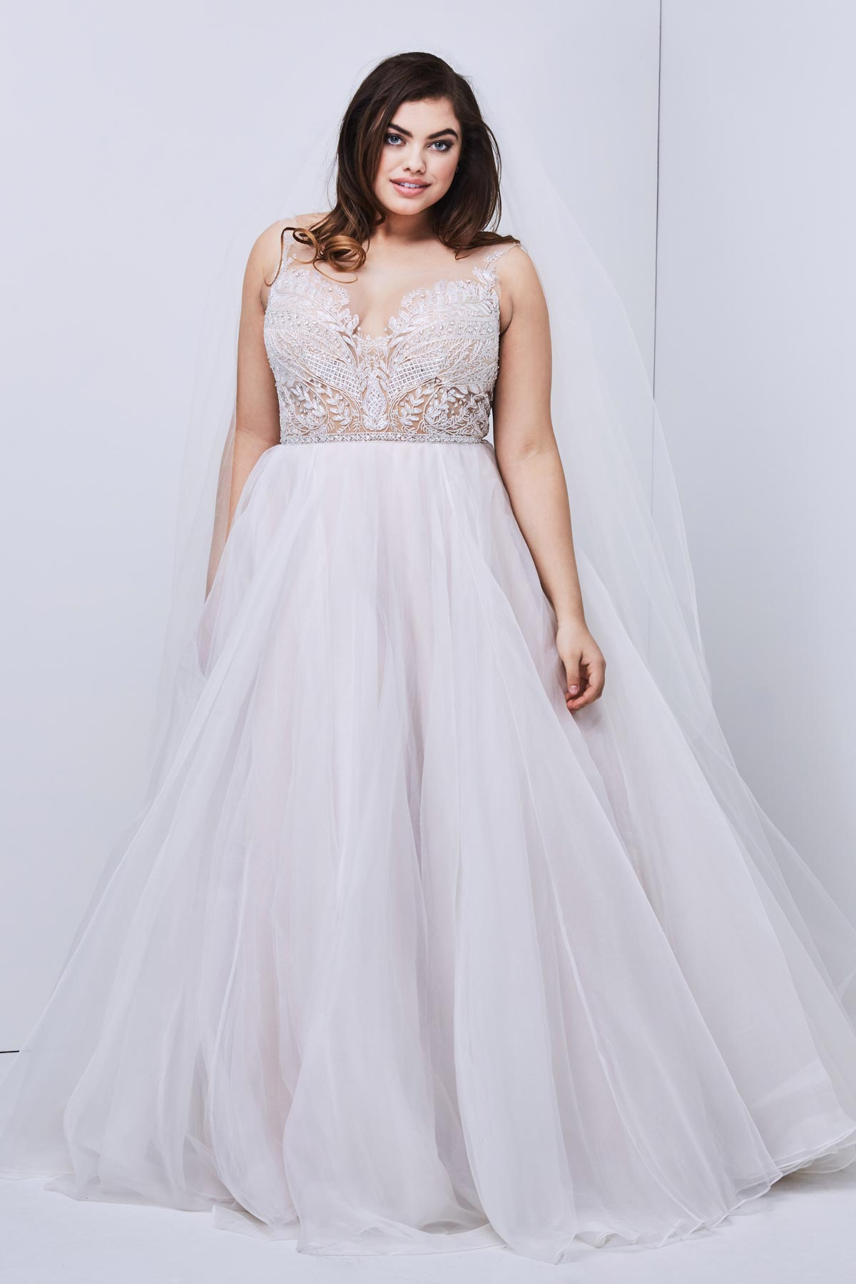 22 Designer Plus-Size Wedding Dresses That Prove Your Body ...