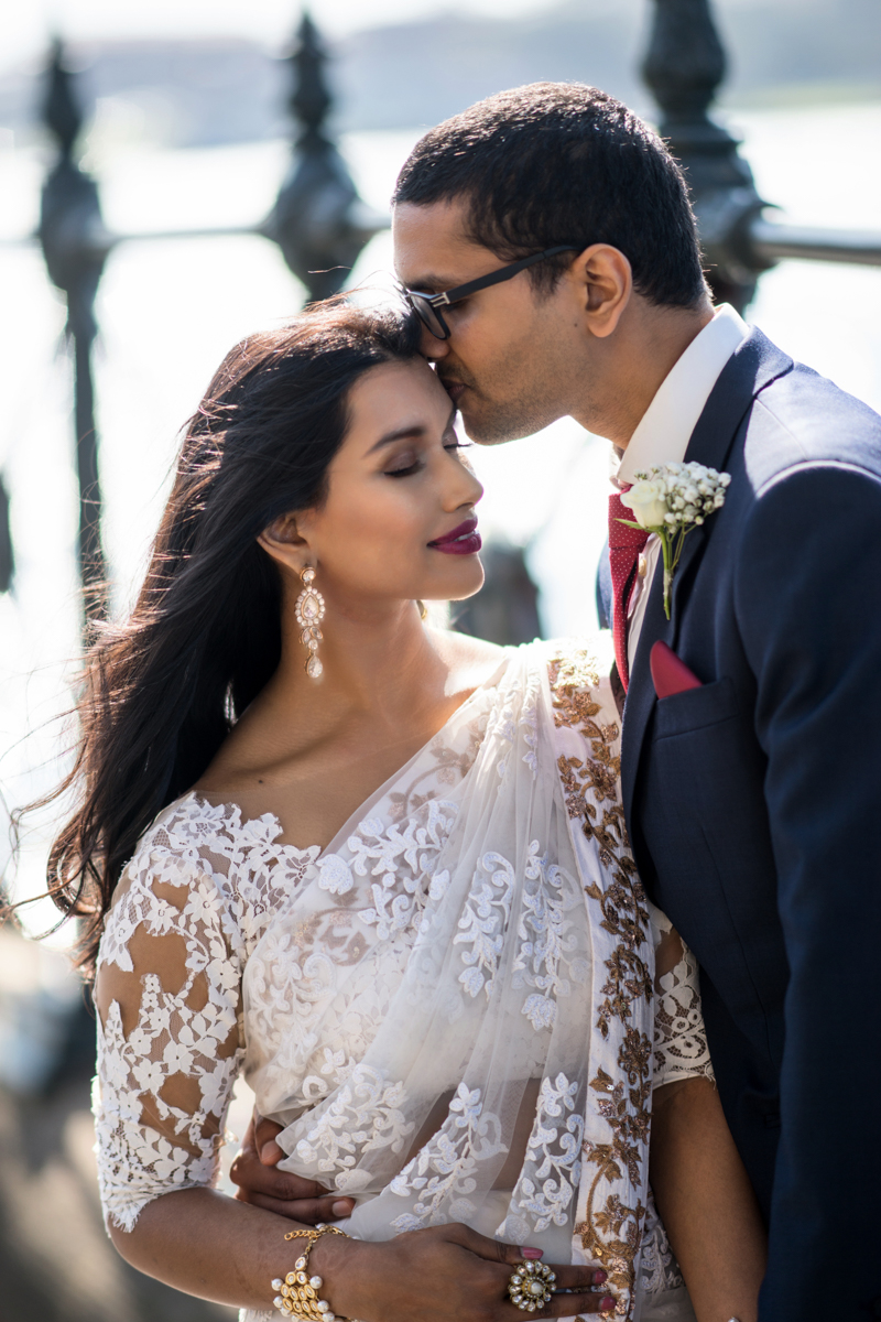 sri lankan wedding in sydney australia dilshan kissing abirami's forehead