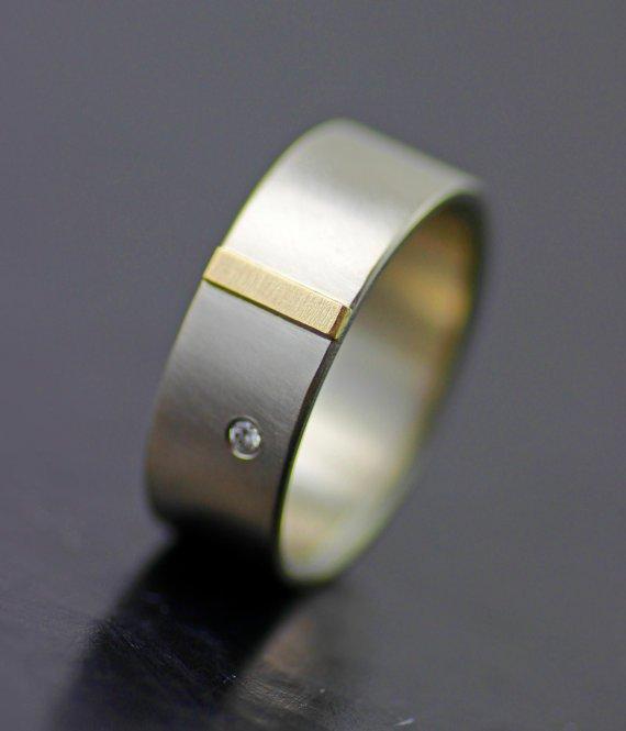 MEN'S GOLD TAB WEDDING BAND WITH DIAMOND