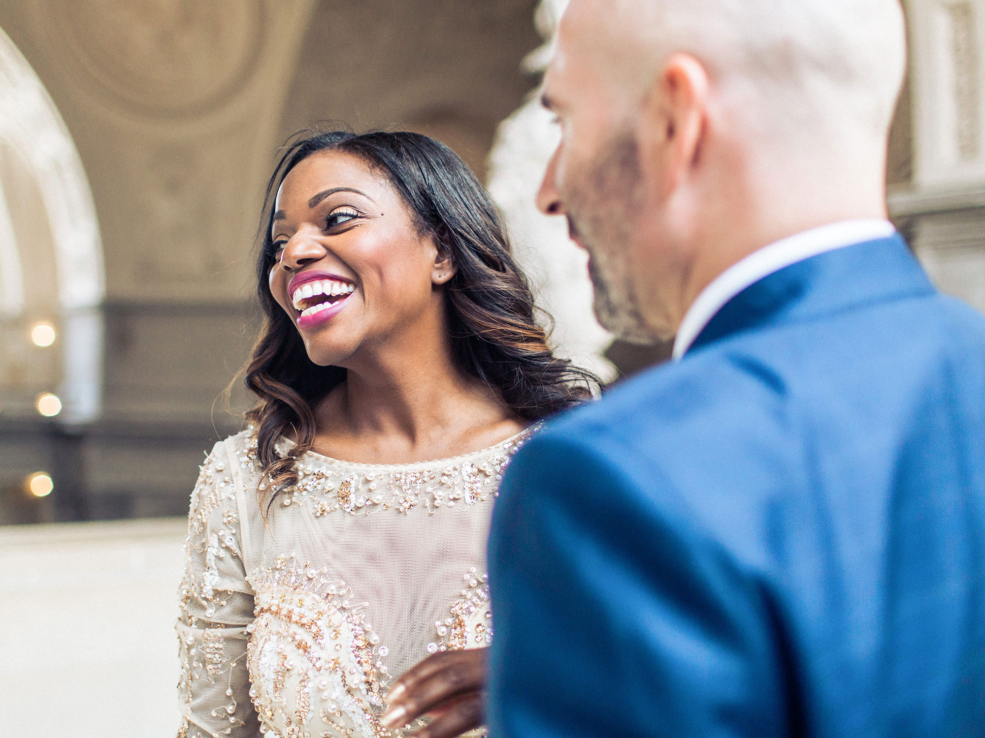 couple smiling during their elopement at San Francisco City Hall Apollo Fotografie