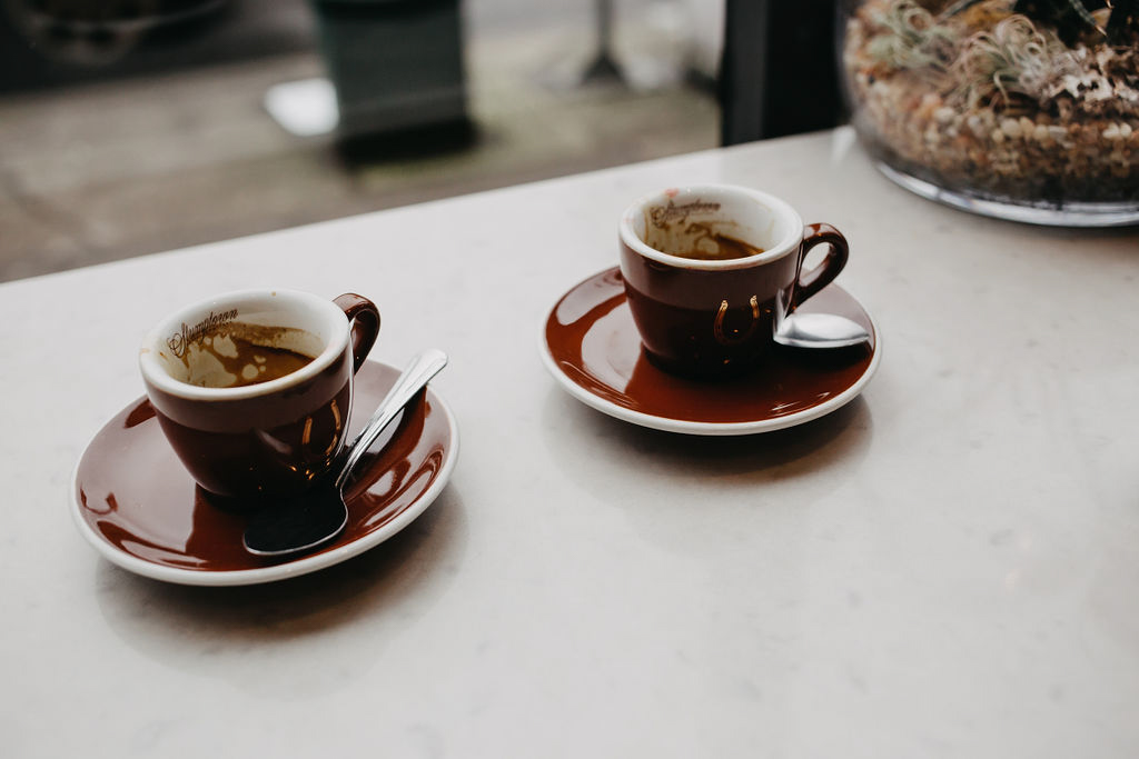 portland rainy elopement maddie maschger photography coffee cups on bar