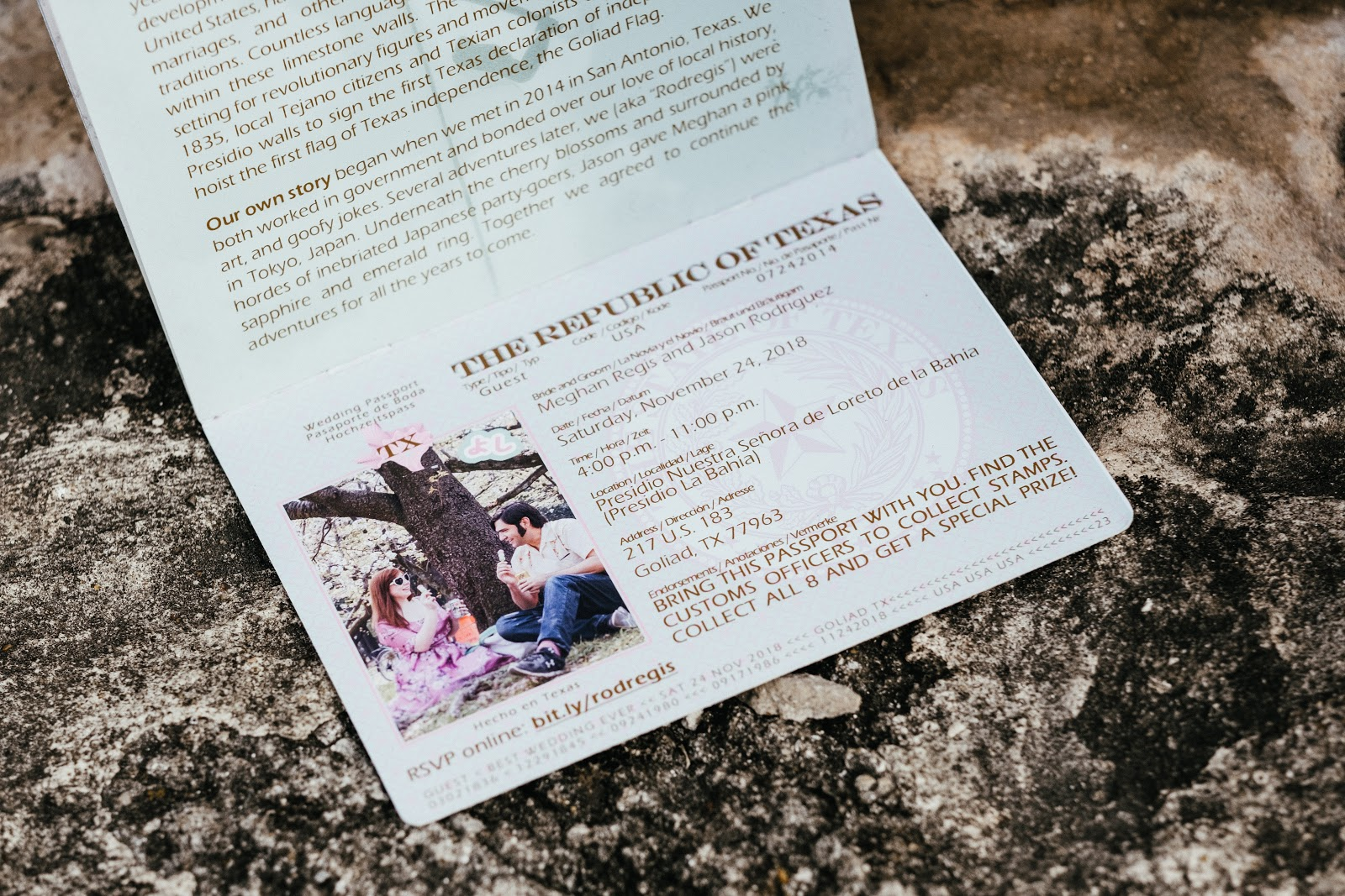 texas wedding passport scavenger hunt photo by ziggy shoots
