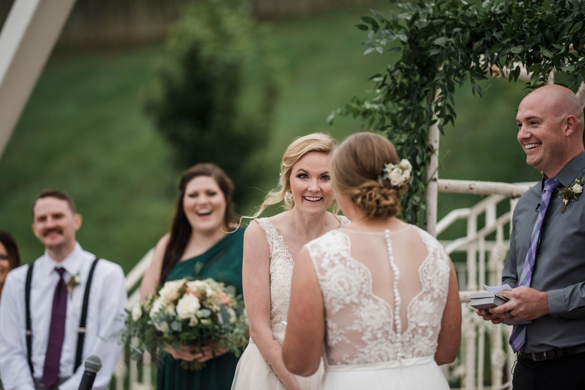 PAVILION WEDING KANSAS CITY MISSOURI Hey Tay Photography brides reading vows