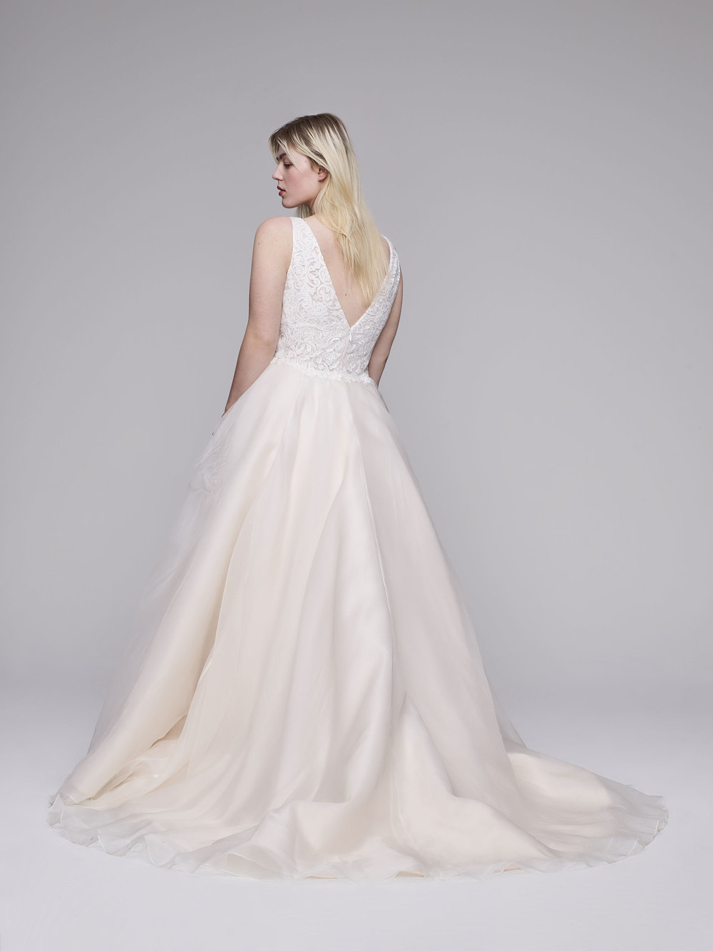 The Fowler plus size wedding gown from Curve Couture by Anne Barge