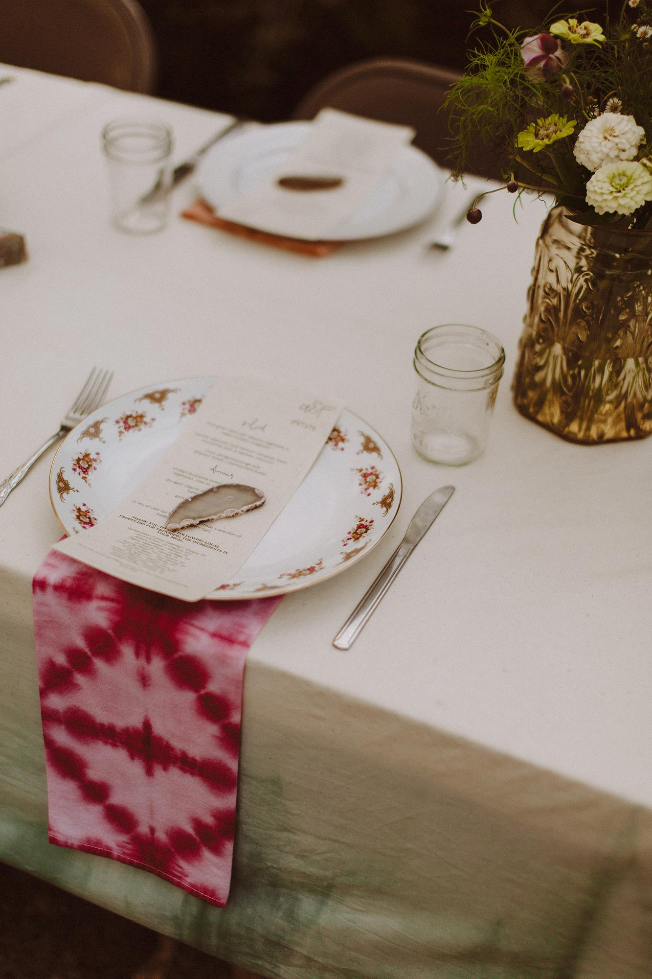 DIY summer camp wedding spring green wisconsin heidi uhlman photography table setting