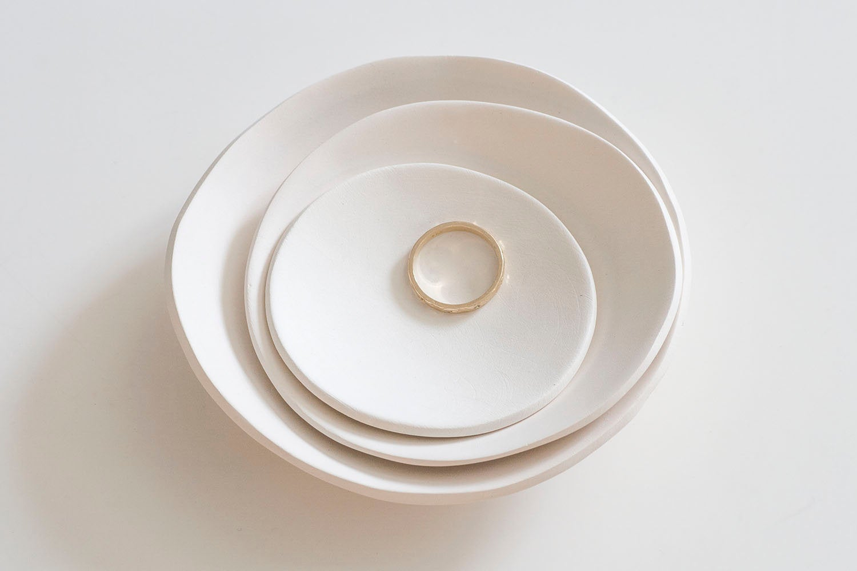 Simple Ceramic Wedding Ring Dish Set by Vumbaca White Ceramic