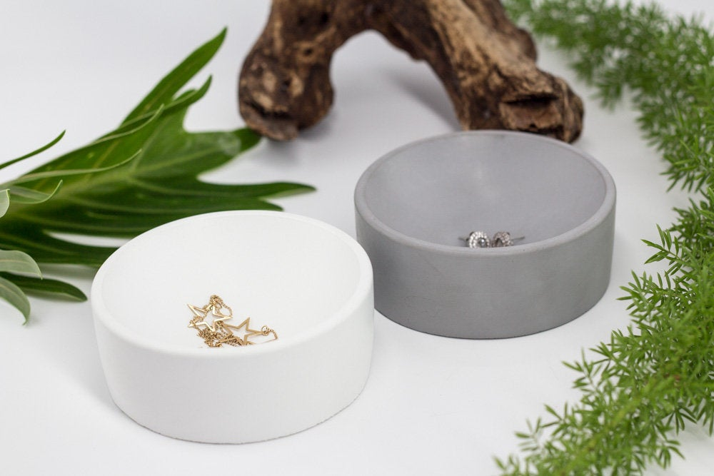 Minimal Concrete Jewelry Wedding Ring Dish by Uniicon