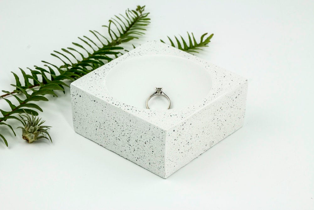 Speckled Concrete Wedding Ring Dish by Uniicon