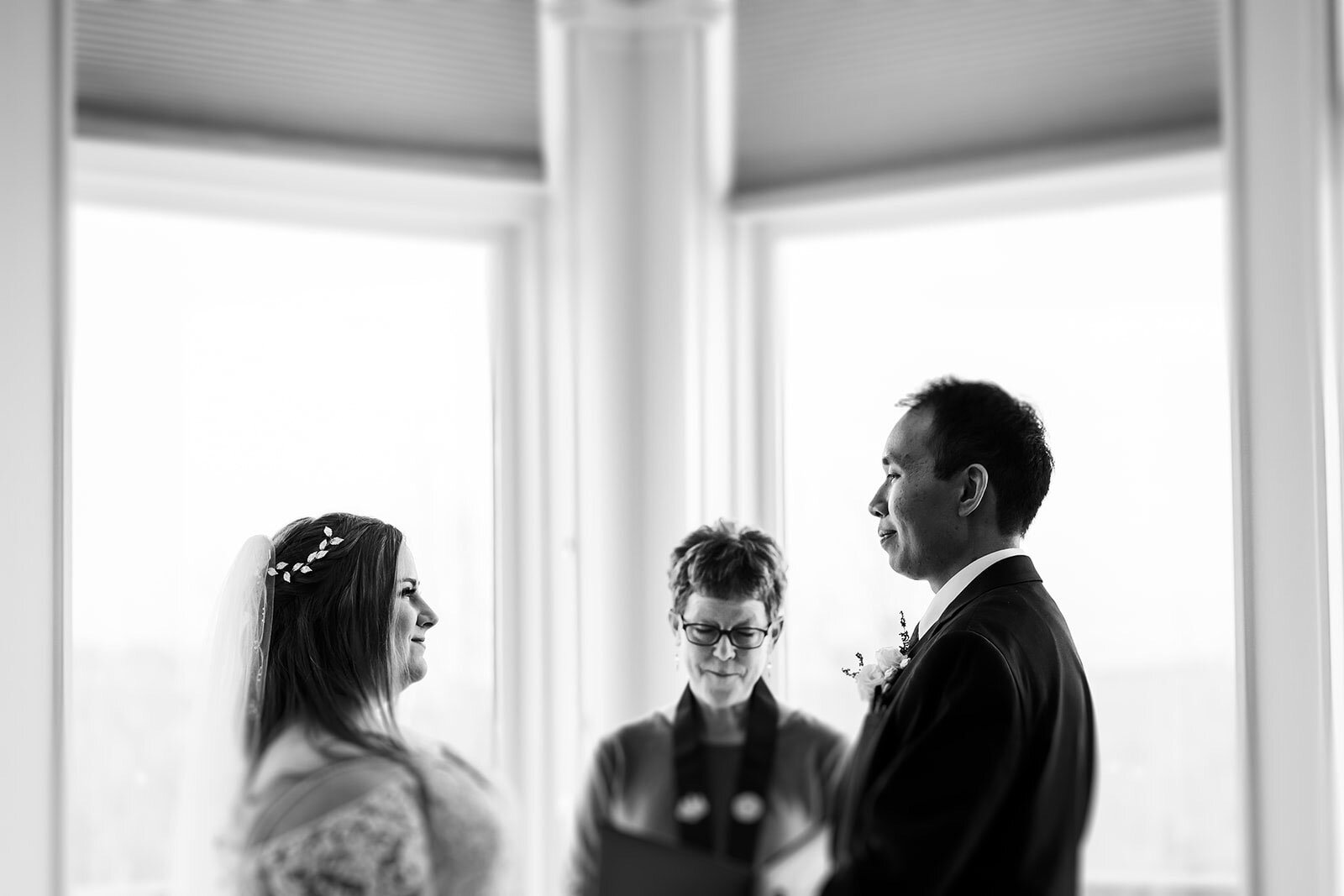 Couple exchanges vows in intimate wedding Rachel Epperly Film and Photo Portland Oregon