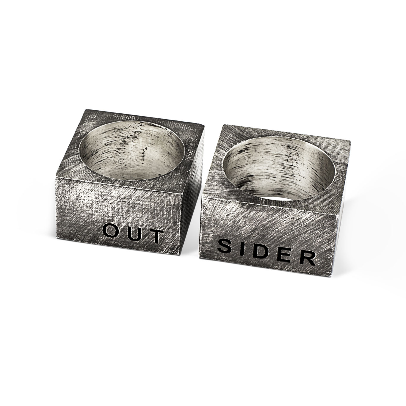 Out-Sider-02.jpg