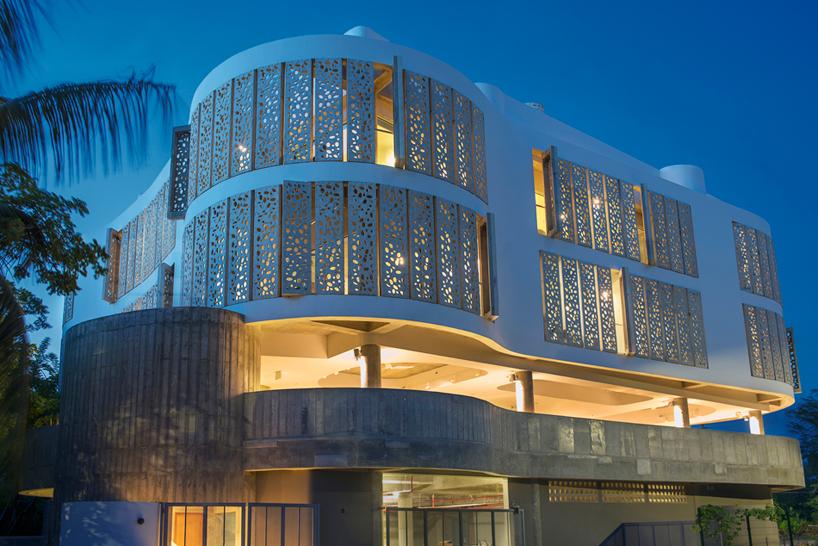 fuster-+-architects-el-blok-puerto-rico-designboom-09.jpg