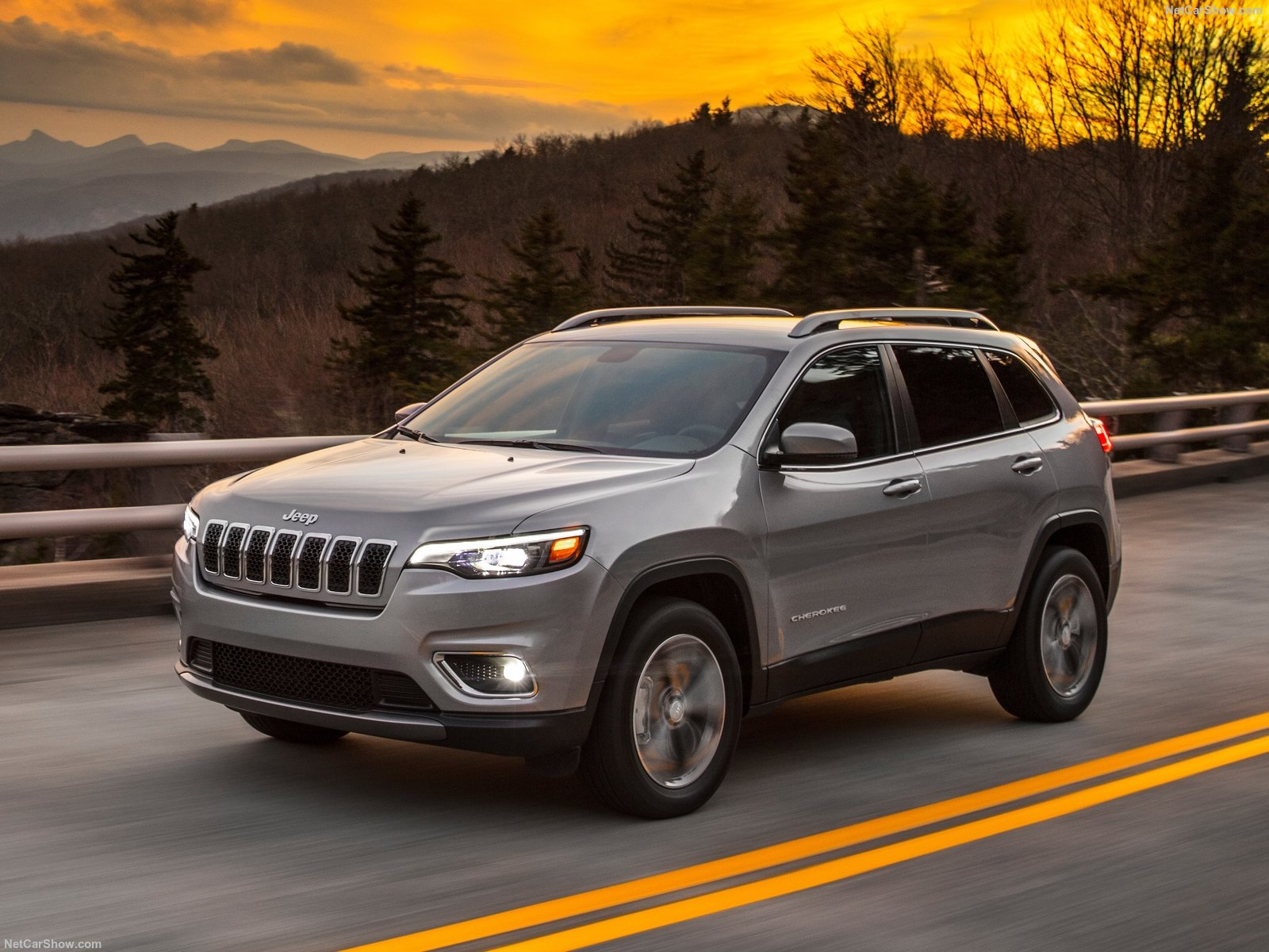 Jeep-Cherokee-2019-1600-02.jpg