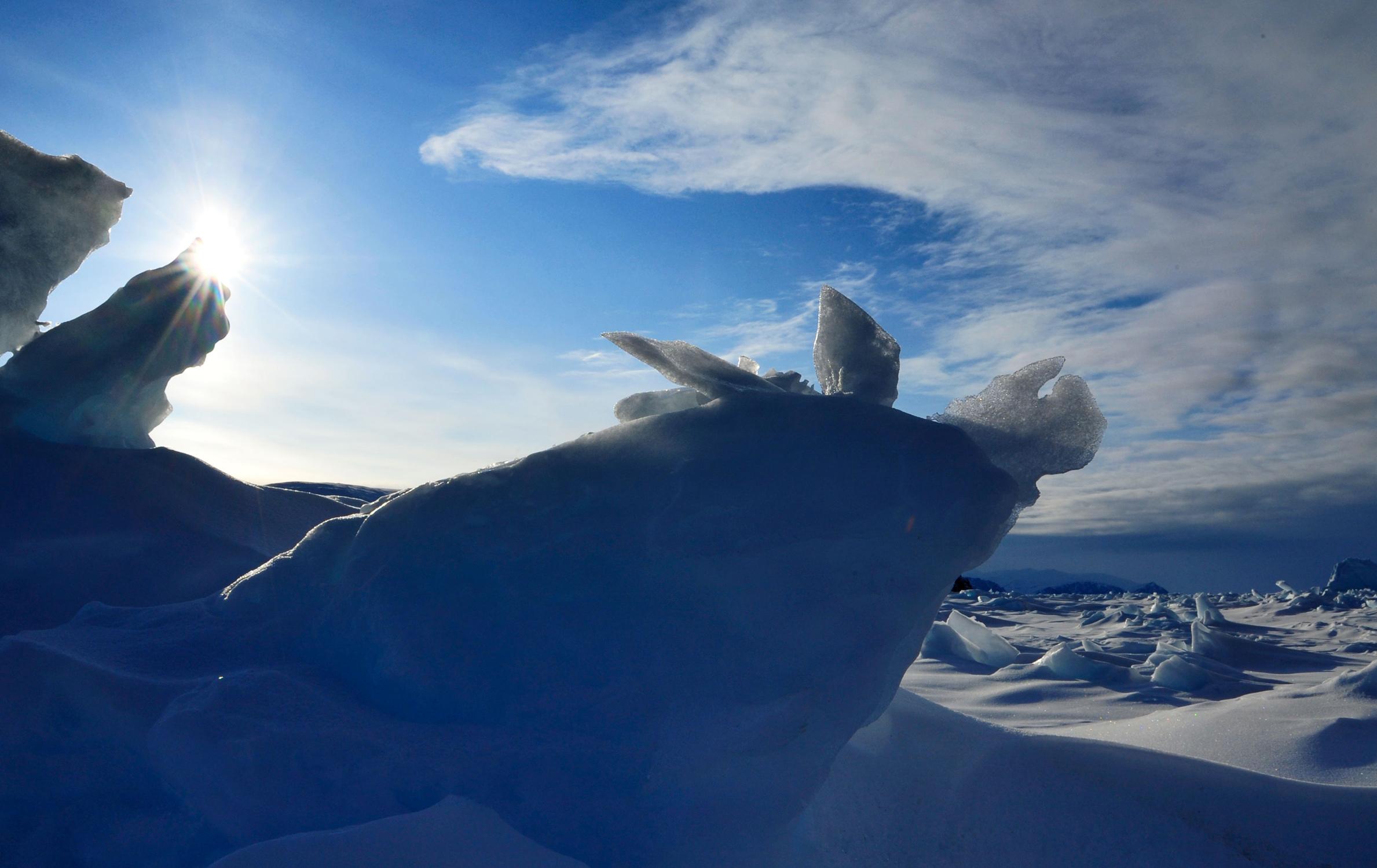 Below ZerØ - Adventures to the barren Arctic landscape