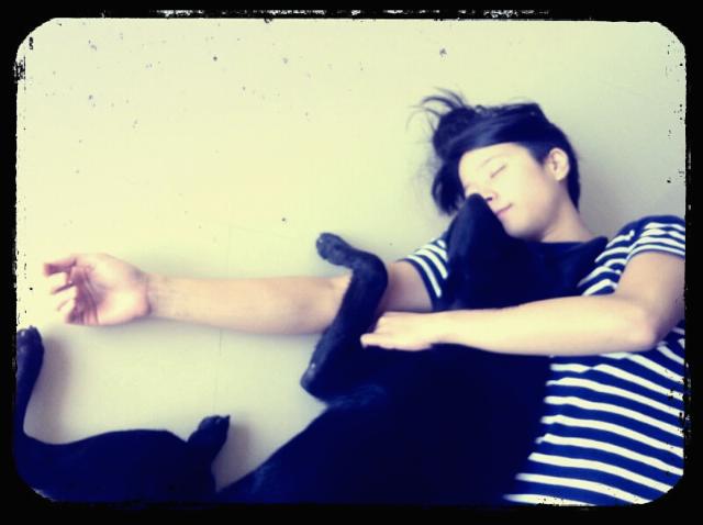 阿狗與我,攝於2011 年林口家中