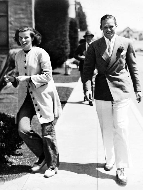 1933 年,影星 Katharine Hepburn 與 Douglas Fairbanks Jr.