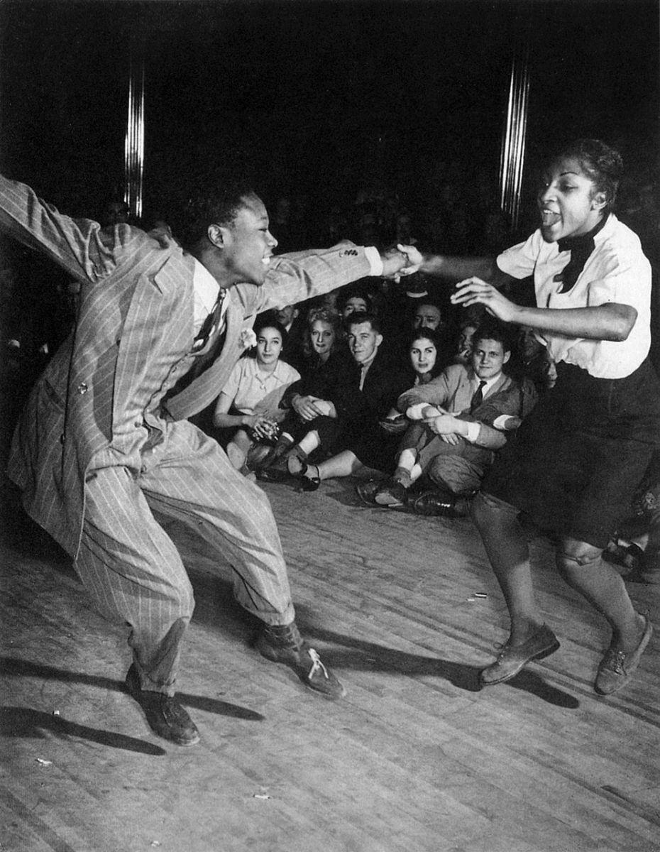 1930 年代 Frankie Manning 在 紐約的 Savoy Ballroom