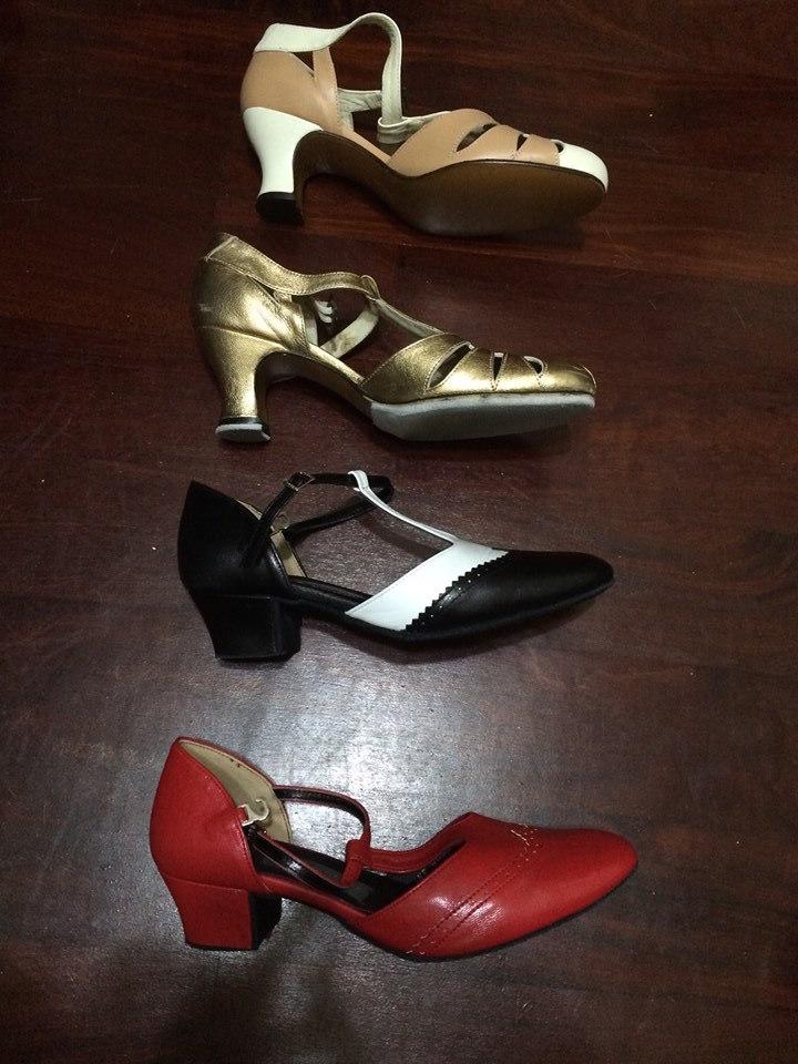 Lotus 的鞋跟比較:由上而下分別是兩雙 Remix 以及兩雙 Garubang