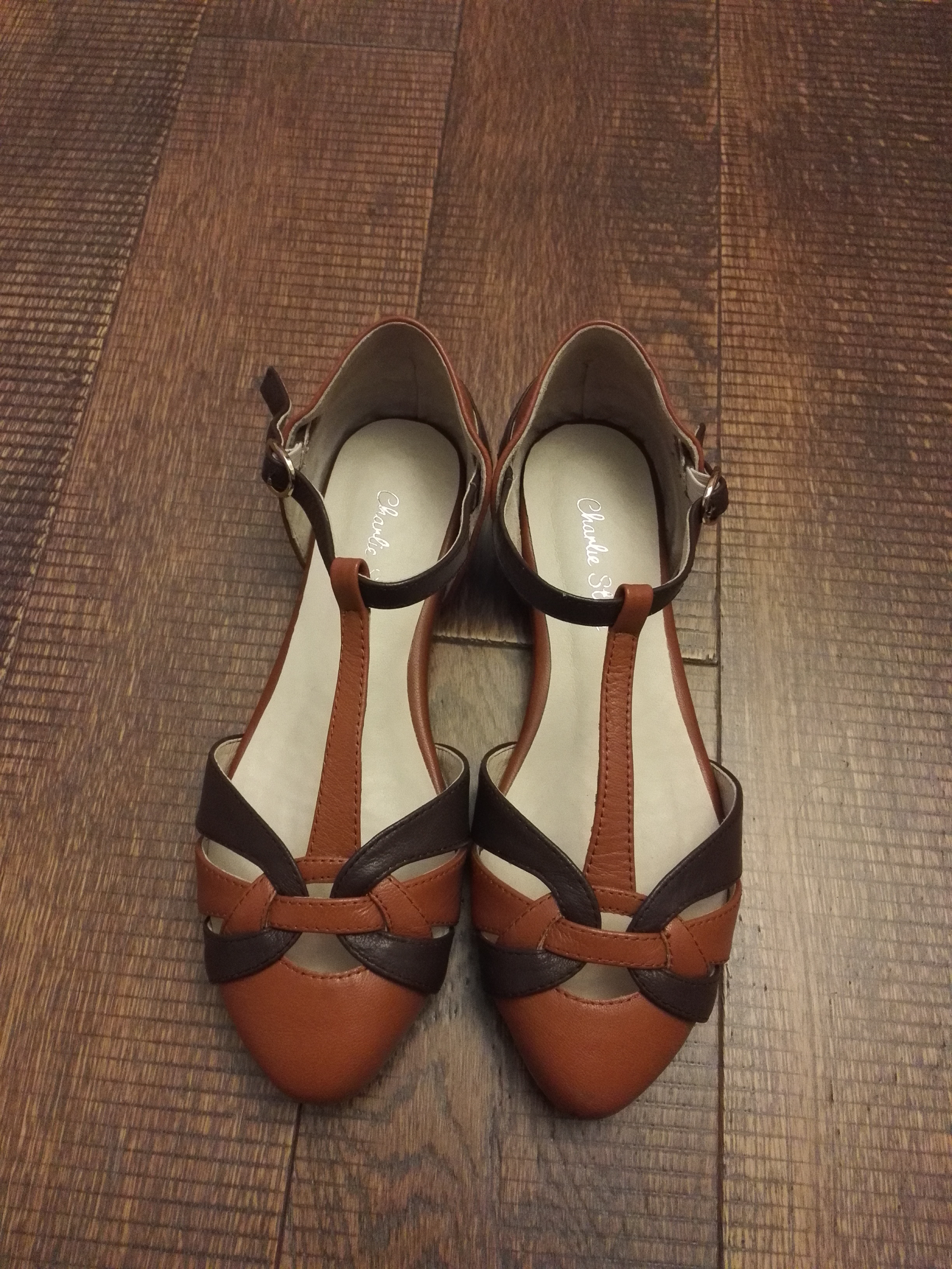 Phyllis 的 Charlie Stone 舞鞋:Peta