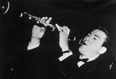 Artie Shaw( via : Jazz Wax )