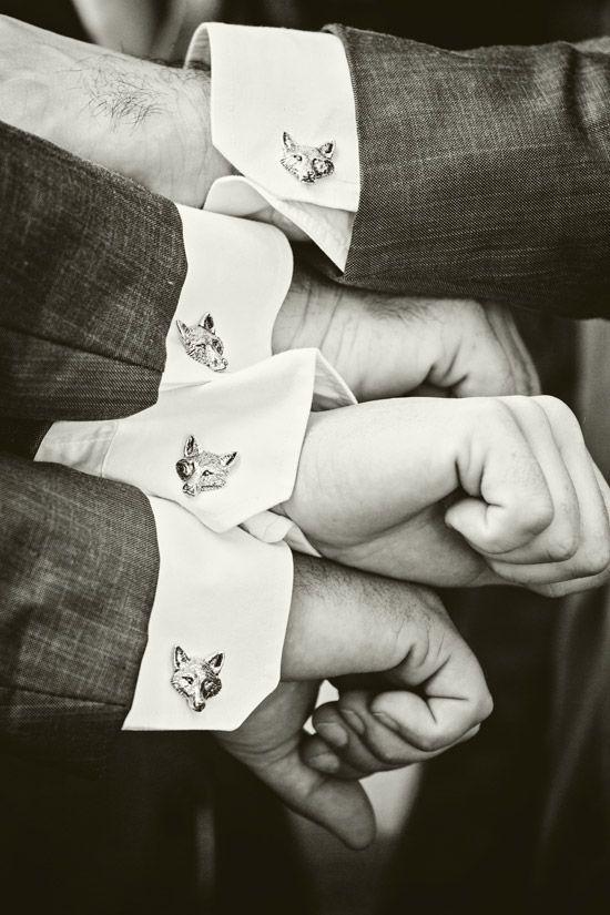 狐狸設計的袖扣( via :  Pinterest )
