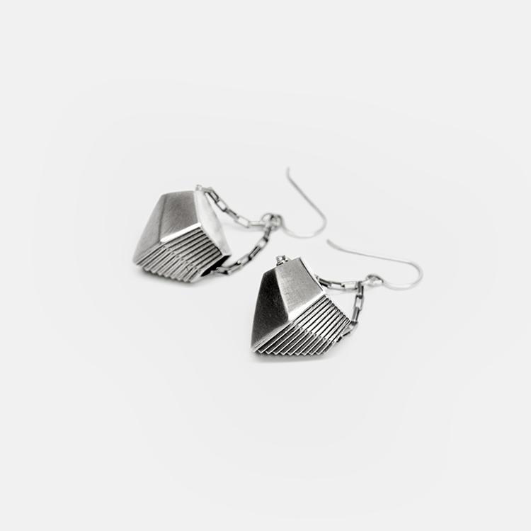 Off_White_Cropped_Marisa_Lomonaco_Endless_Column_Earrings_Silver.jpg