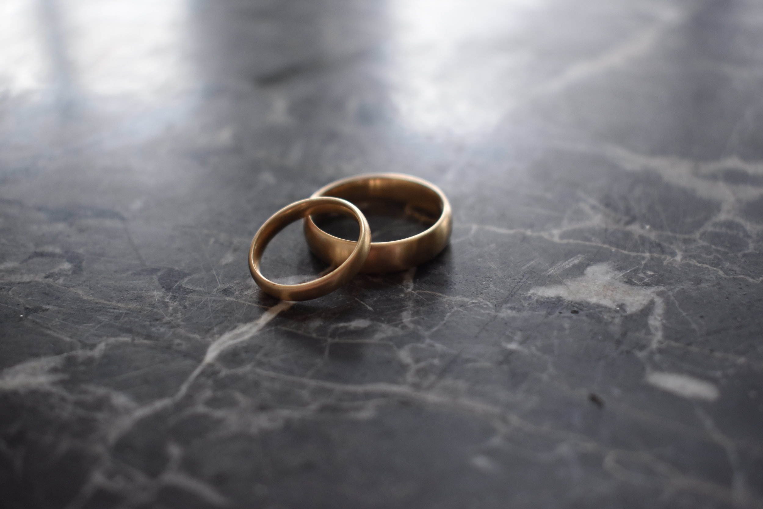Marisa-lomonaco-jewelry-custom-modern-wedding-bands-beacon-ny-hudson-valley.png
