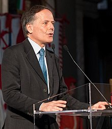 220px-Enzo_Moavero_Milanesi_-_The_State_of_the_Union_2013_(cropped).jpg