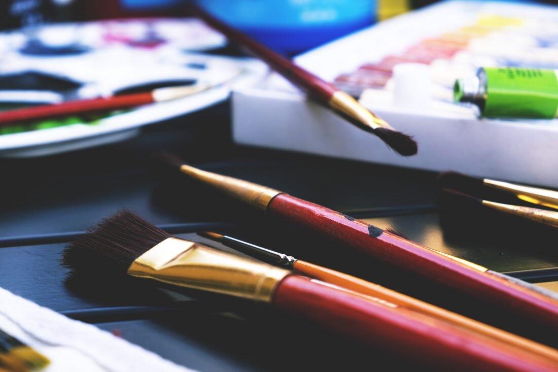 art-brushes-1-1100x733.jpg
