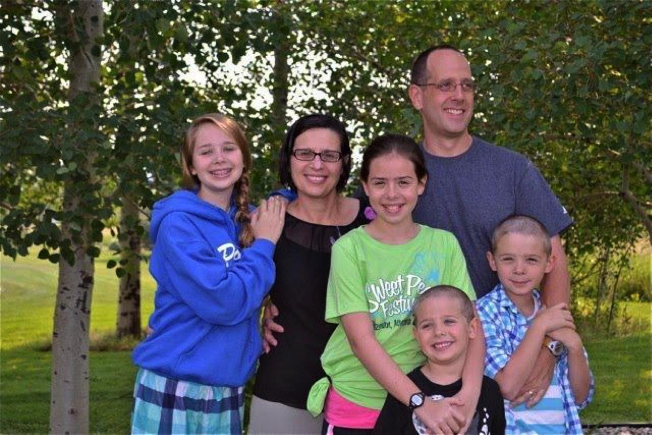 Kitty Powell and Mark Swinth's family (Emily, Kira, Milo, Tucker)
