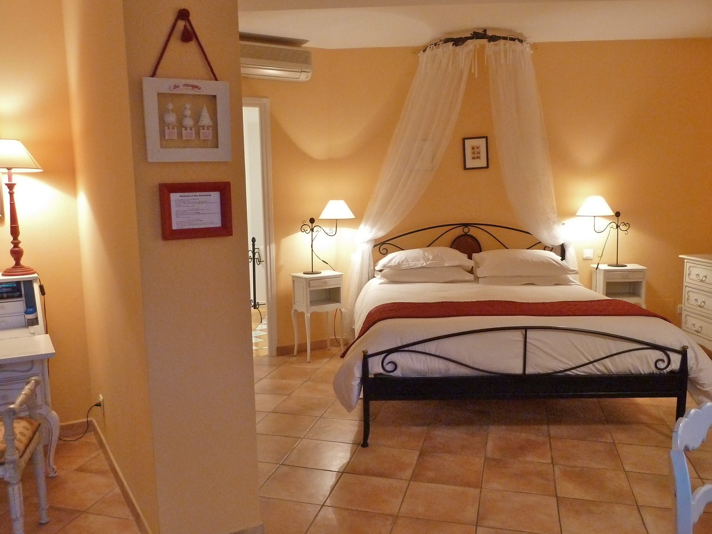 Chambre d'hote Manosque I with double-bed