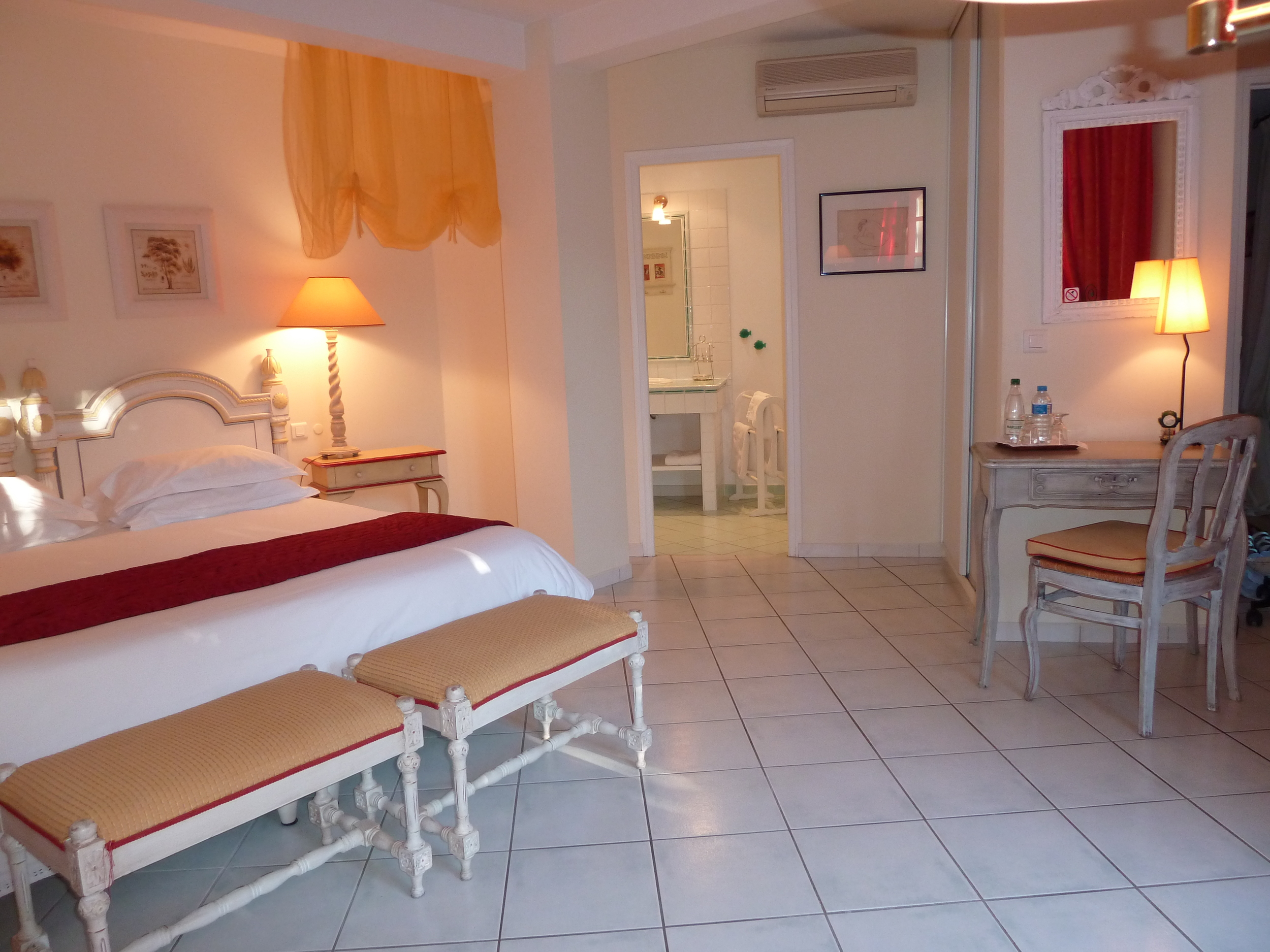 Chambre d'hôte spacieuse à grand lit or twin beds