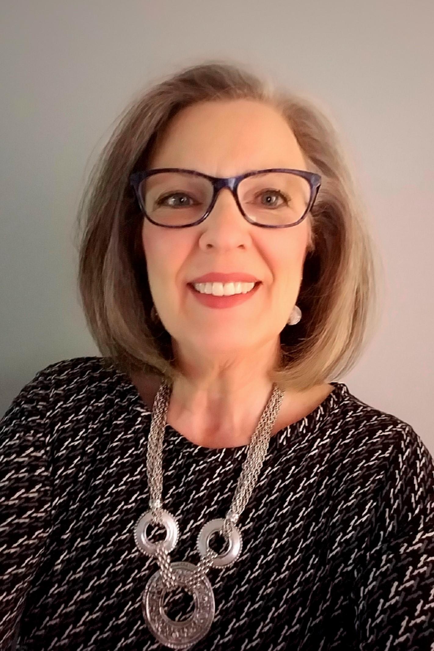 Karen Elbert headshot 9-17.jpg