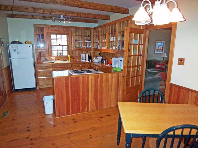 640-kitchen-2.jpg