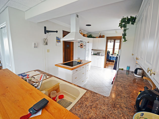 640-Kitchen-2 - Copy.jpg