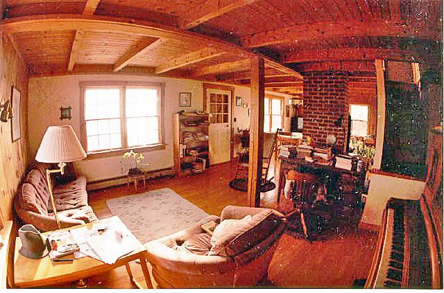 640--living-room.jpg