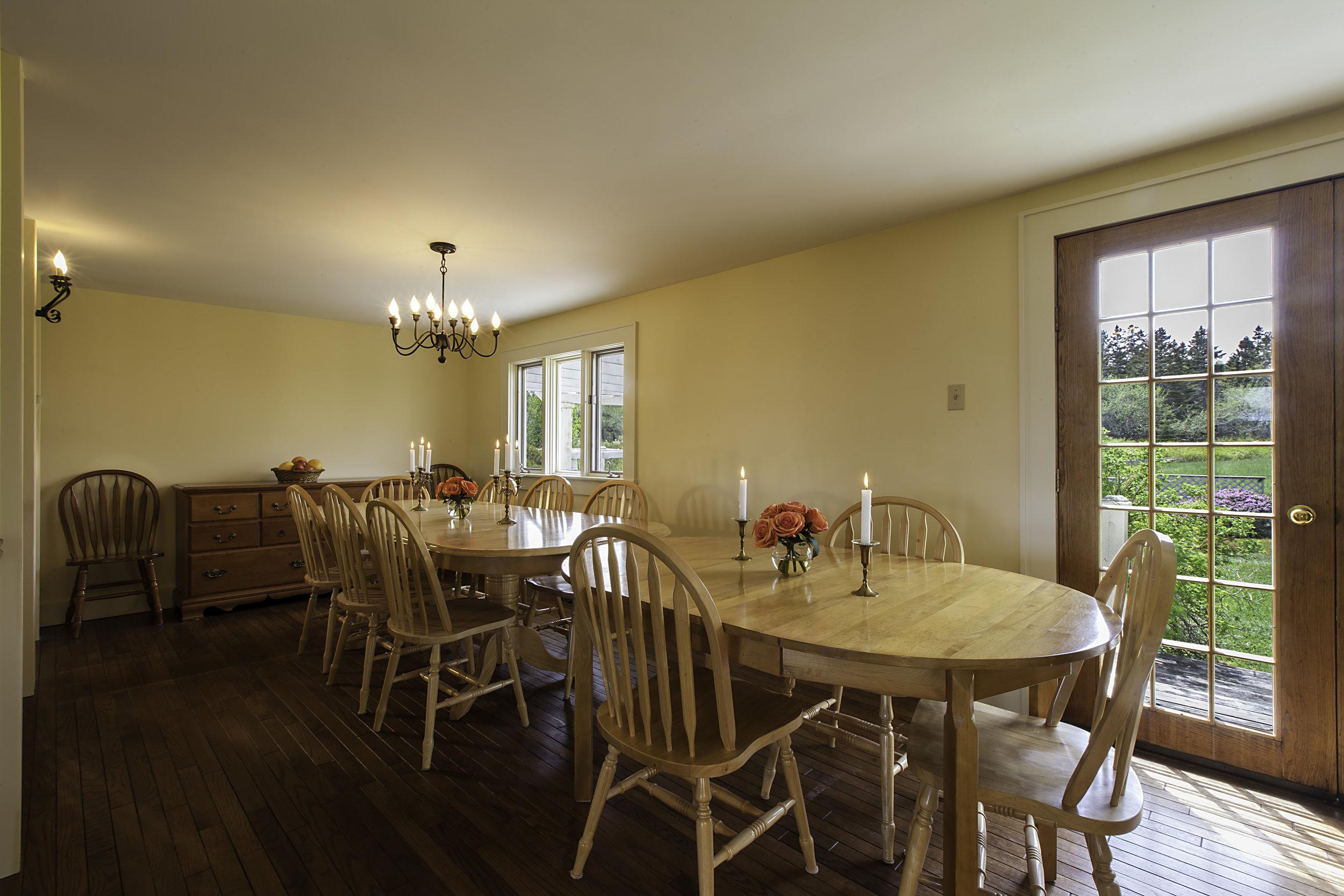 IMG_5258-Dining_Room-3.jpg