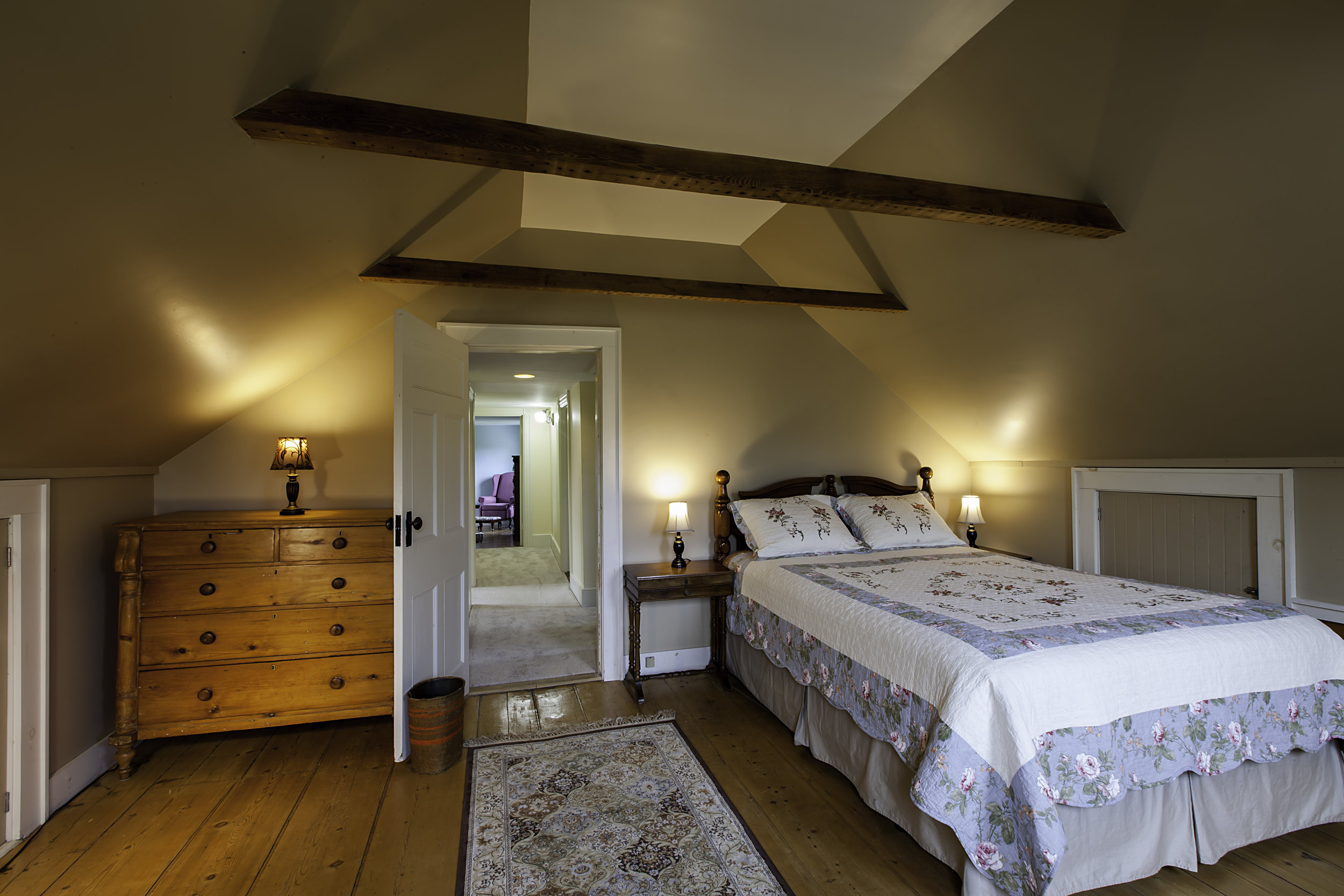 IMG_5265-Master_Bedroom-1.jpg