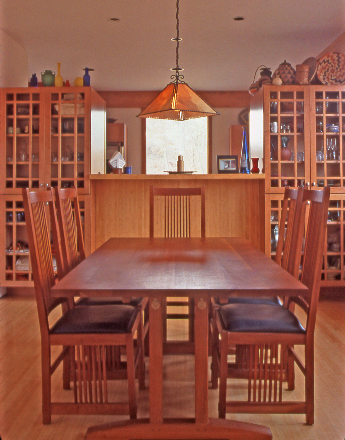 Interior-kitchen-table.jpg
