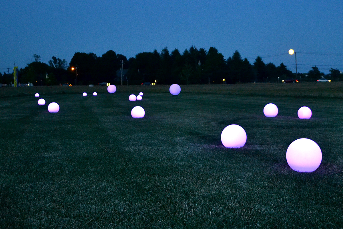 Glow-balls 3.jpg