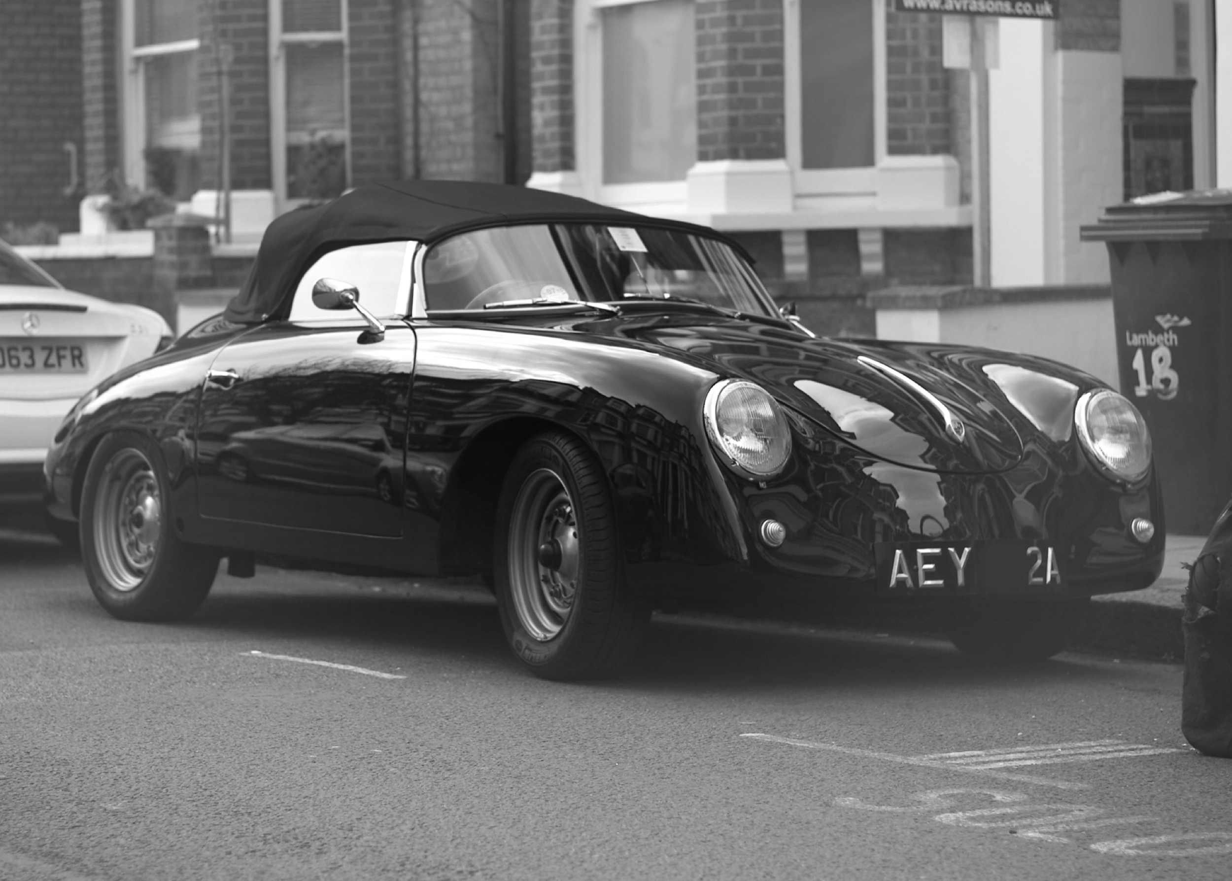 Casual snob Porsche 356