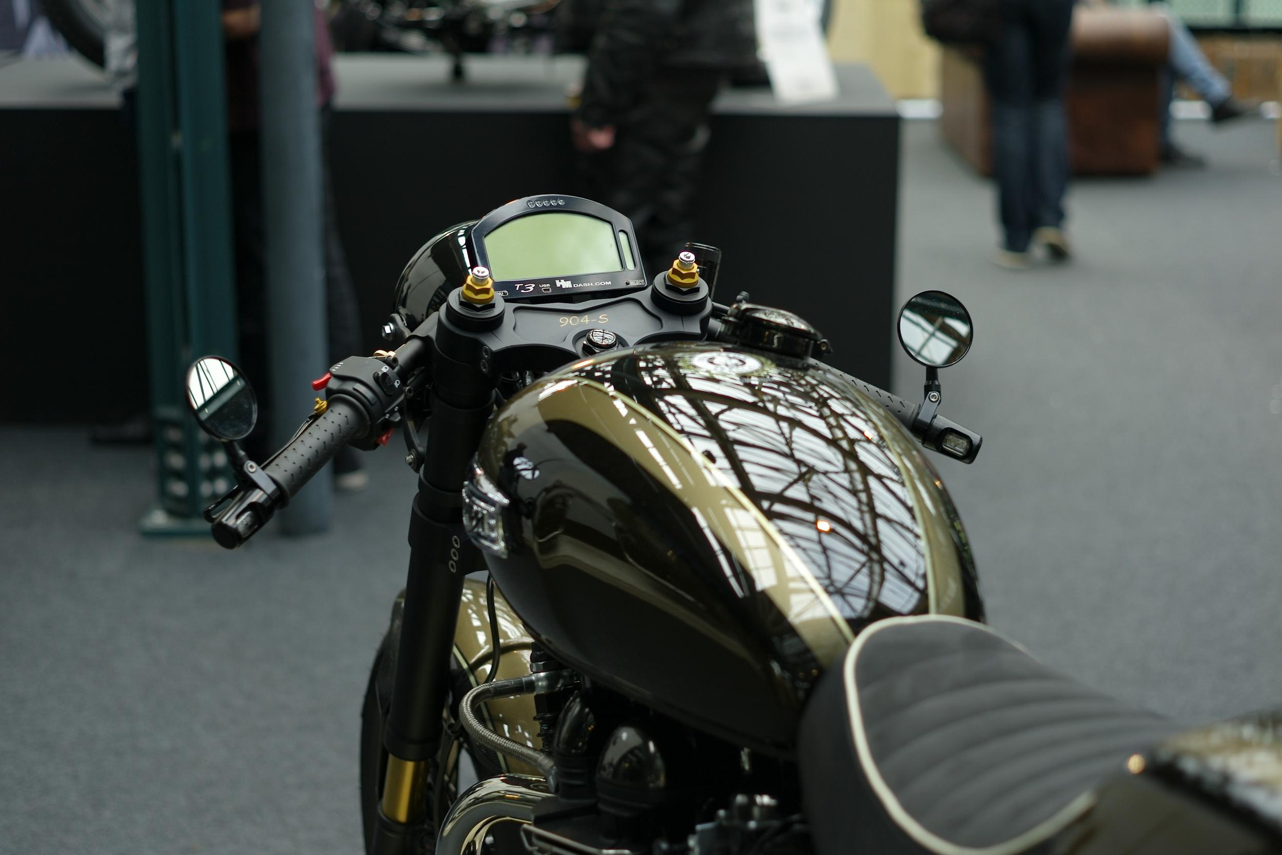 Casual Snob Triumph Thruxton 904ss
