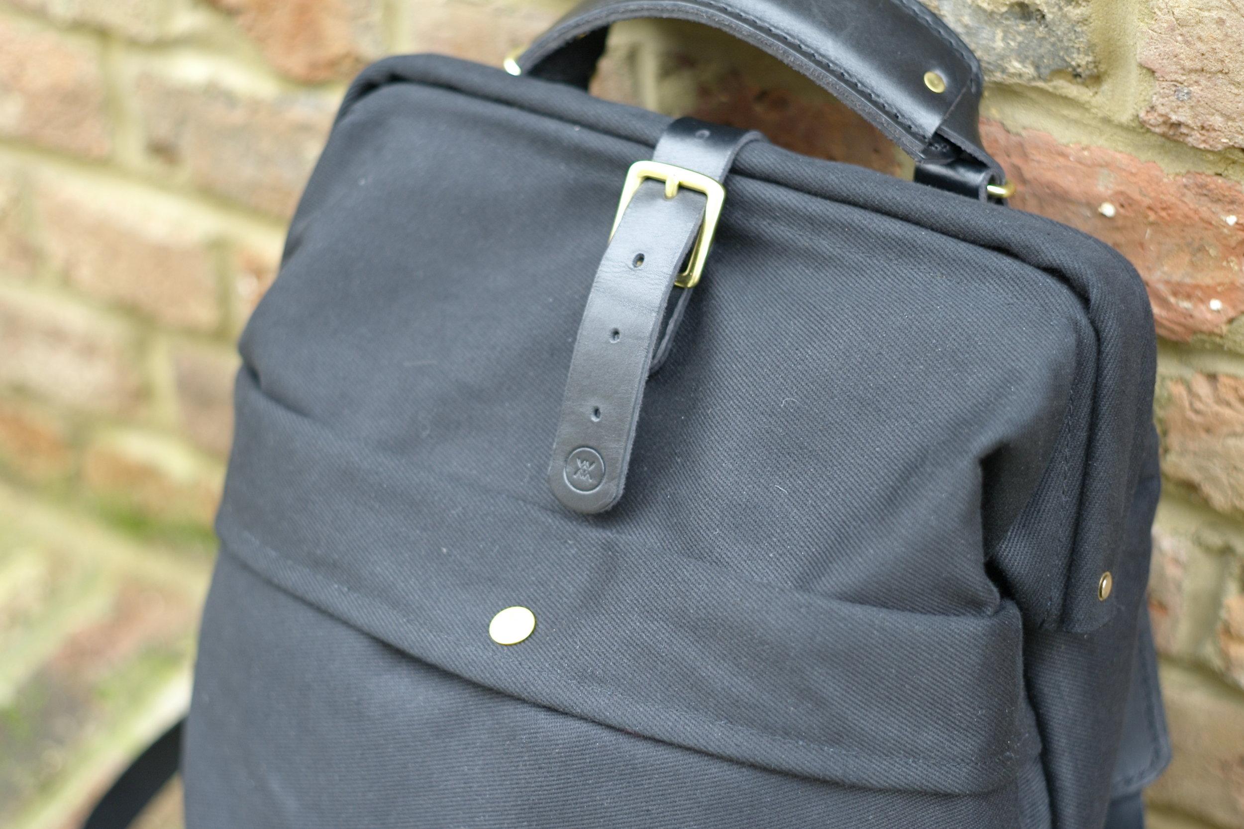 Casual snob John Hybrid Backpack 4.JPG