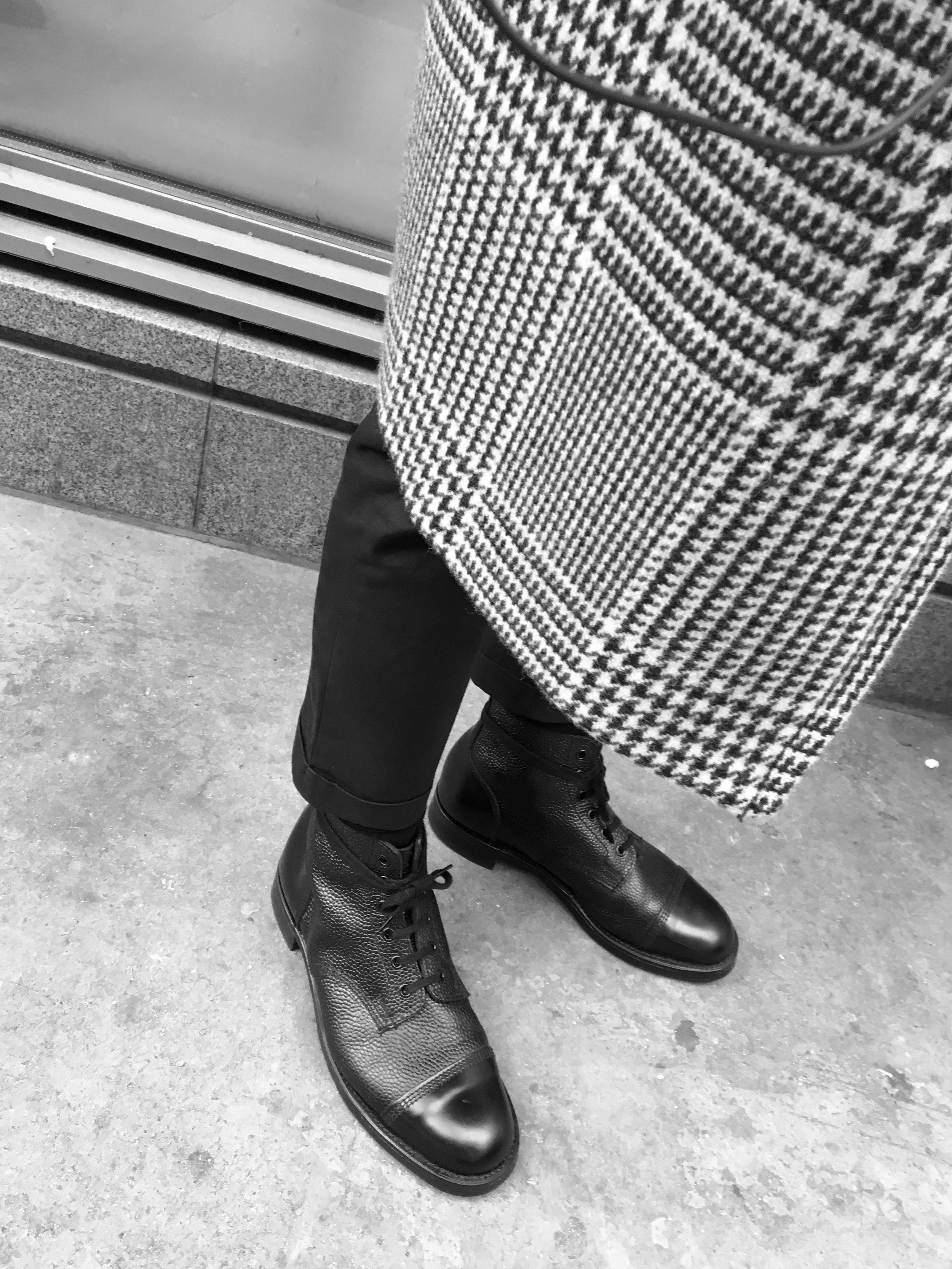 Casual snob Sanders Boots.JPG