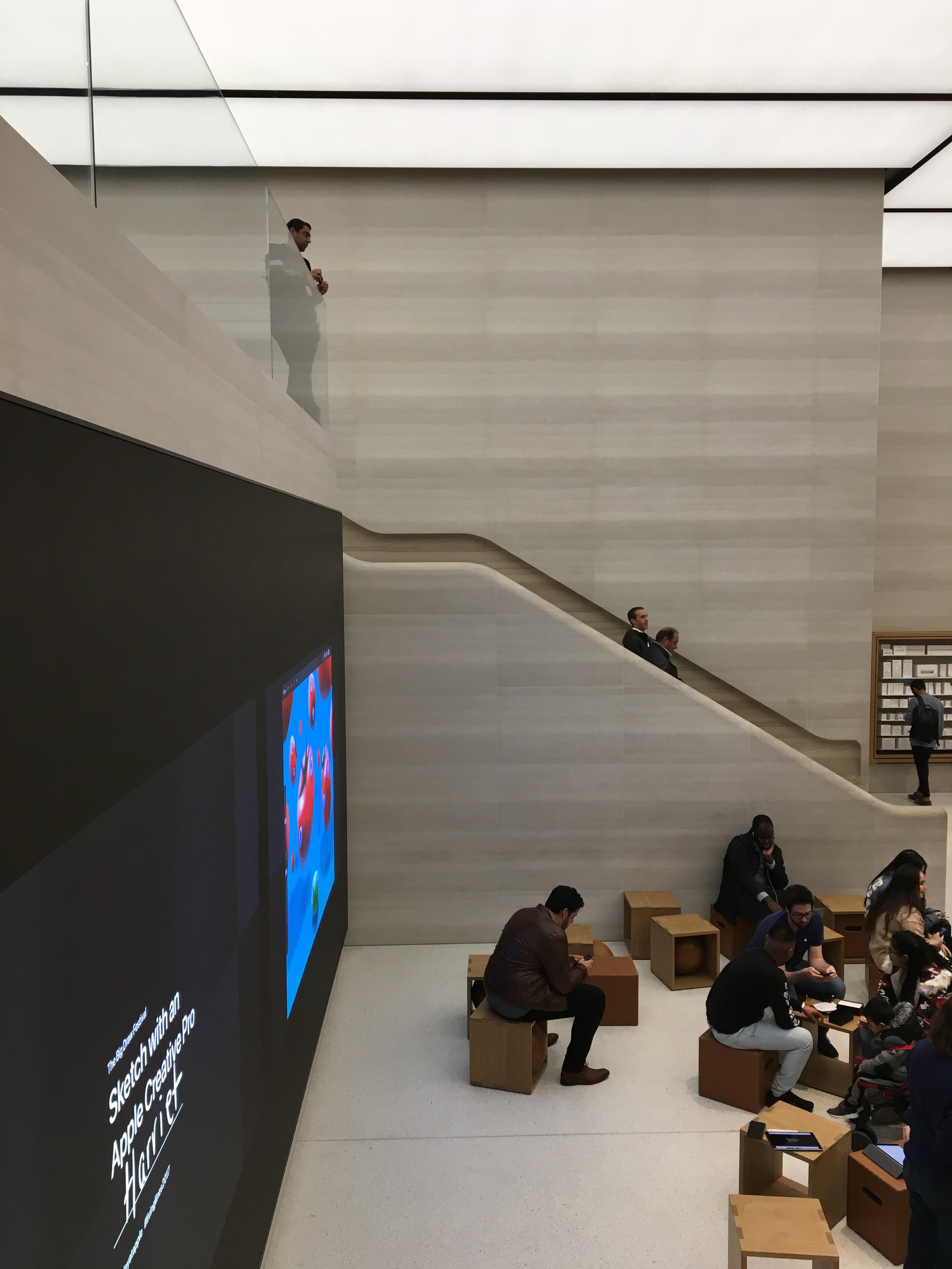 Casual snob - Apple Store London 8.JPG