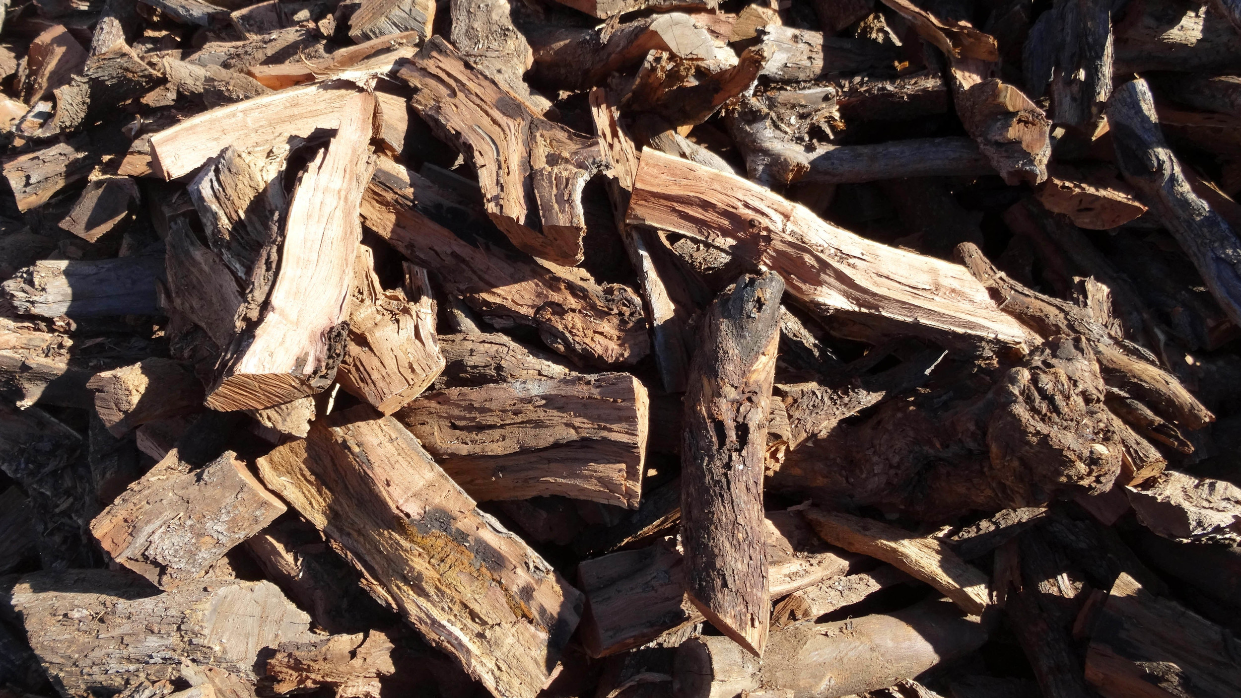 A very hard firewood. Great for both cooking and heating.