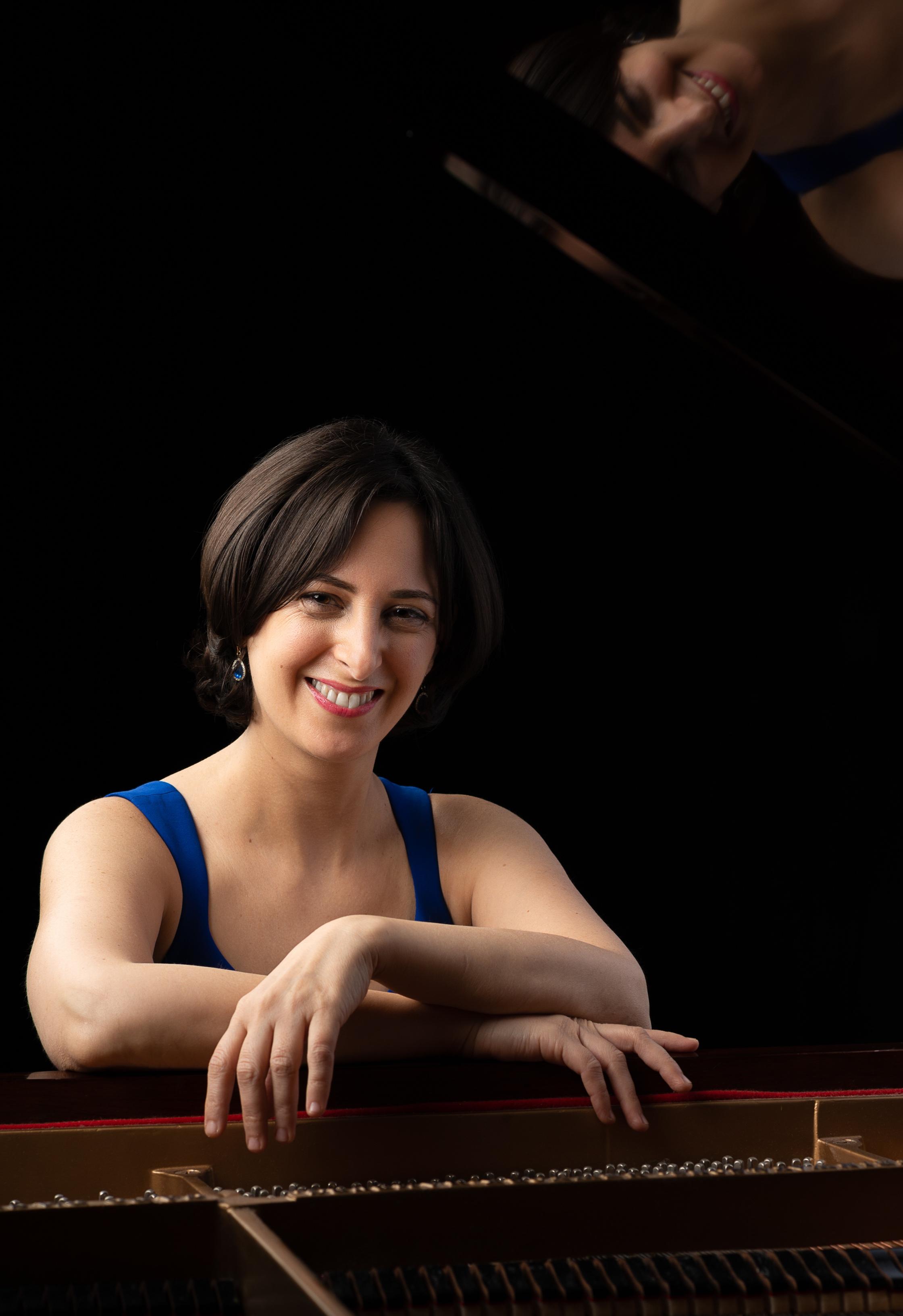Renana Gutman, Piano  Photo Credit: Carlos Andres Dueñas