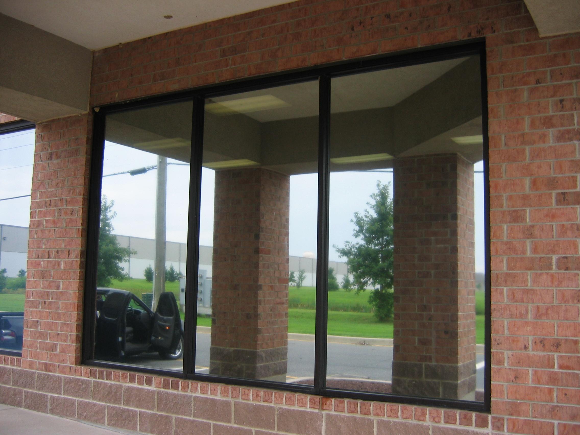 Computer Store With VISTA V14.JPG