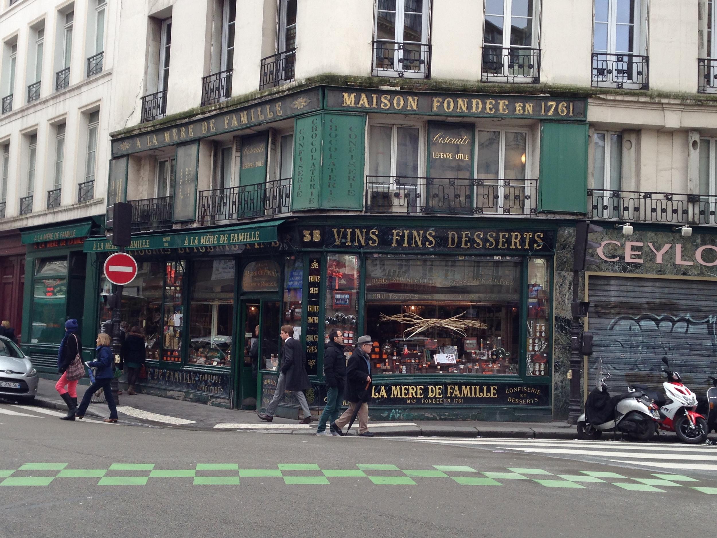 À La Mère de Famille -35 Rue du Faubourg-Montmartre, Paris.